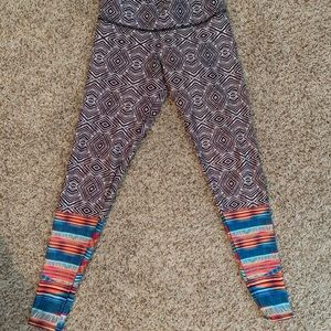 ONZIE tribal print legging size Small